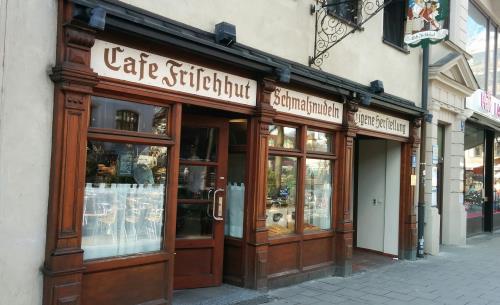 Cafe Frischhut Schmalznudel