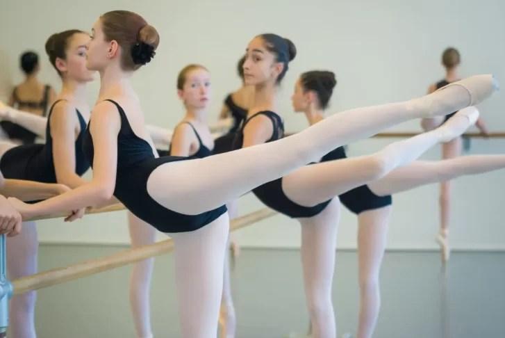 海外バレエ学校の入学オーディションやバレエ留学の許可を得る方法