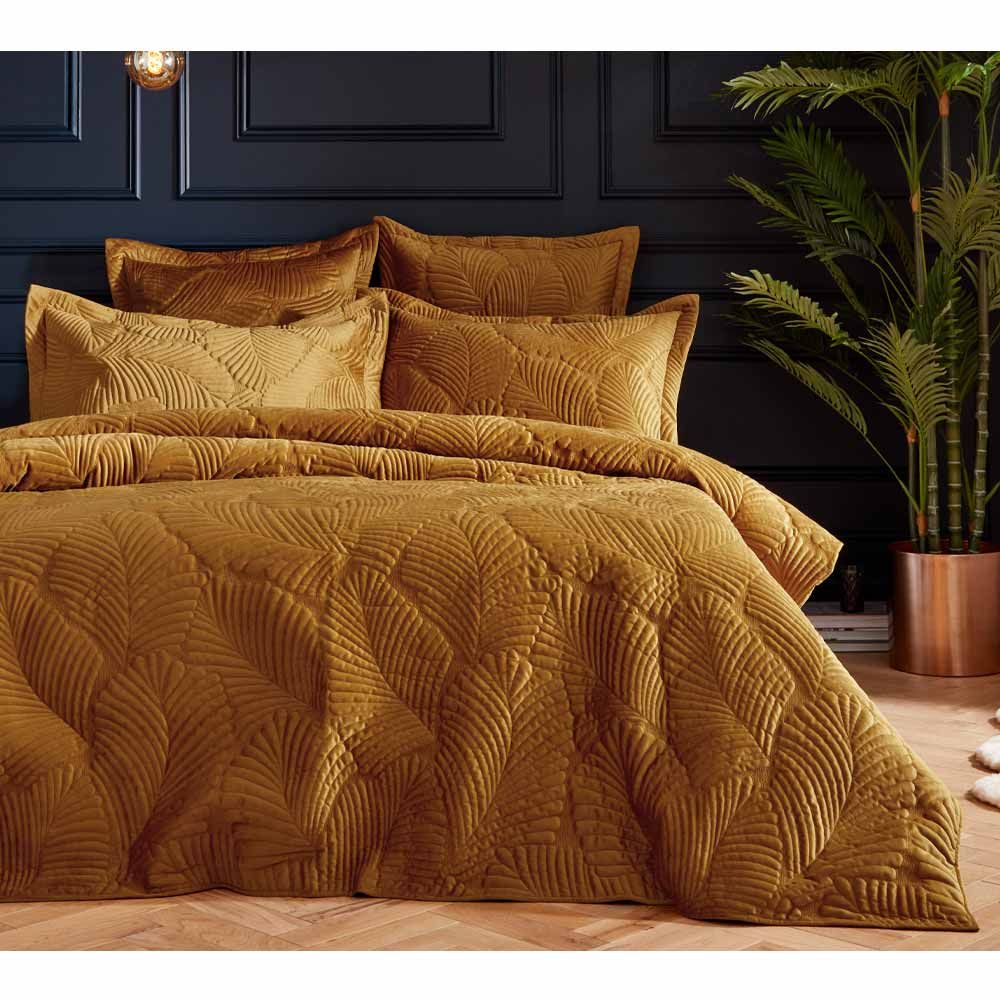 amortie luxury quilted bed linen set in gold double set