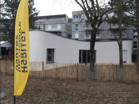 Les architectes ont tiré profit de l'impression 3D pour insérer au mieux cette maison sur un site boisé classé.