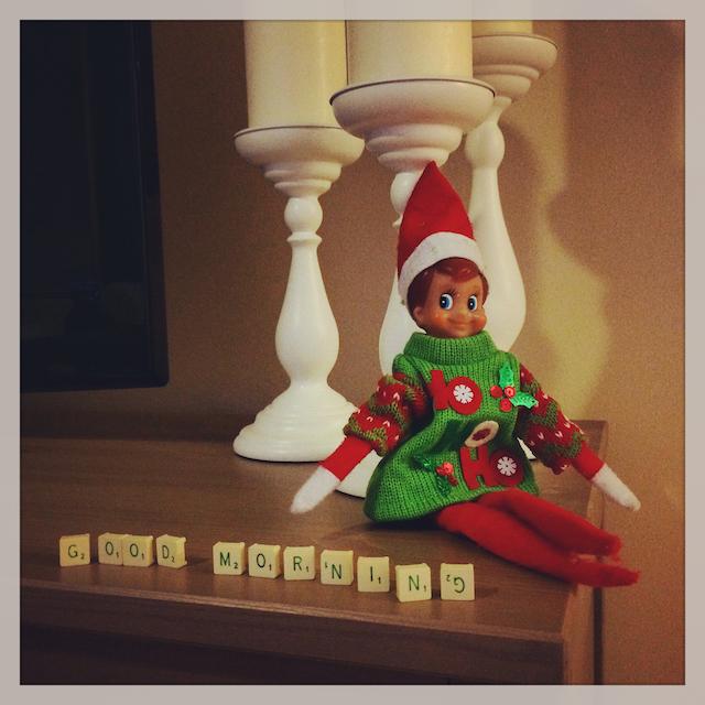 Jingle notre Elf on the shelf