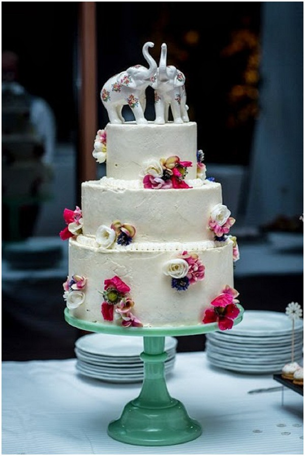 20 Best Wedding Cakes in France pretty white pastel cake
