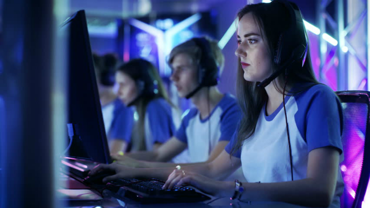 mujeres-gamers-famosas-mexico-intel-pc-torneo-nivel-profesional
