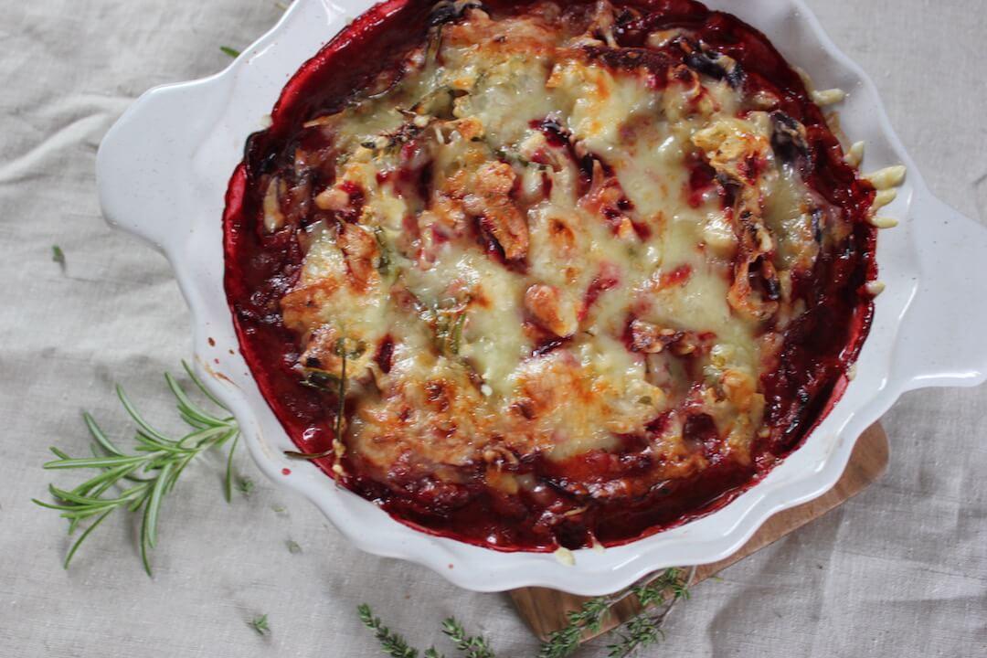 Rote Beete-Kartoffel-Auflauf mit violetten Kartoffeln