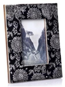 monsoon-monochrome-frame