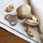 Clever walnut key nut cracker