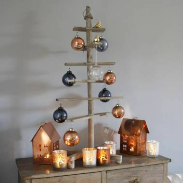 Alternative wooden Christmas tree from Ella James