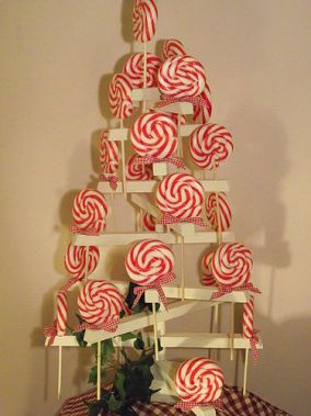 Contemporary alternative Christmas tree table decoration