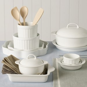 Classic fresh white porcelain cookware