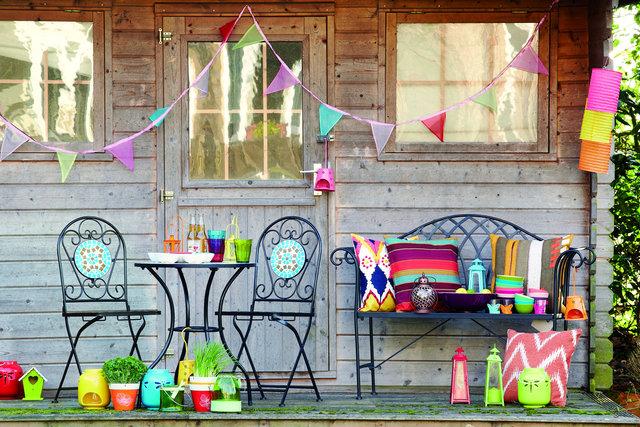 Garden brights; furniture and accessories