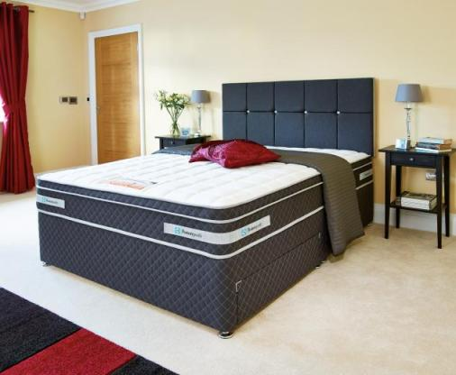 Choose a divan style bed with drawers for smart bedroom storage