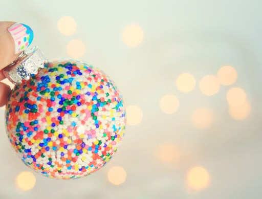 Rainbow sprinkles make fab baubles, who knew? Check out the simple and easy DIY tutorial.