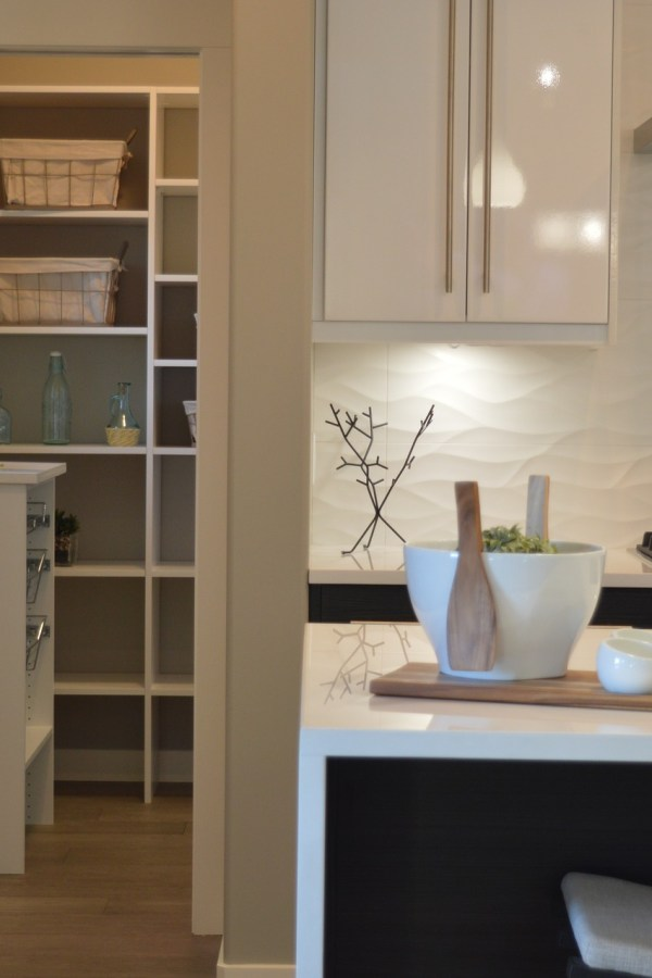 DIY Homes: How to create a clutter free home on a budget