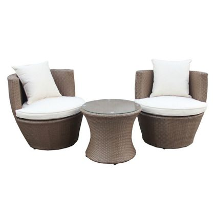 Contemporary rattan garden furniture for coffee in comfort