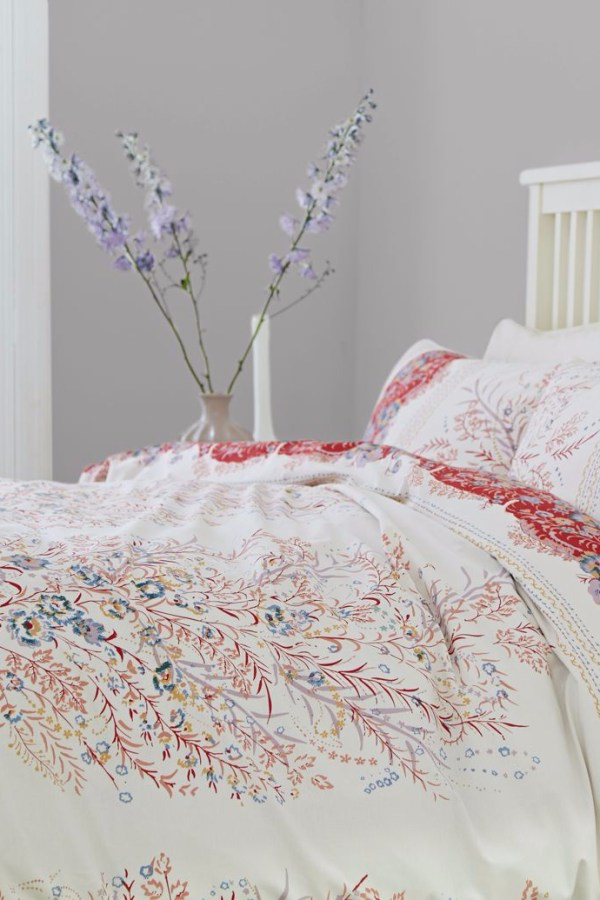 How to develop a colour scheme for your bedroom