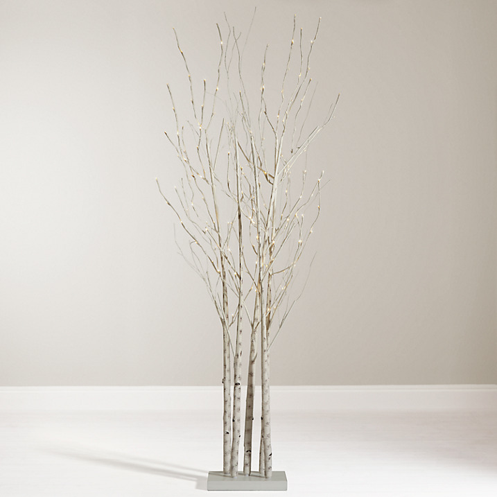 This birch cluster Christmas tree is a lovely alternative twig-style Christmas tree. Keep the branches as they are or decorate them,