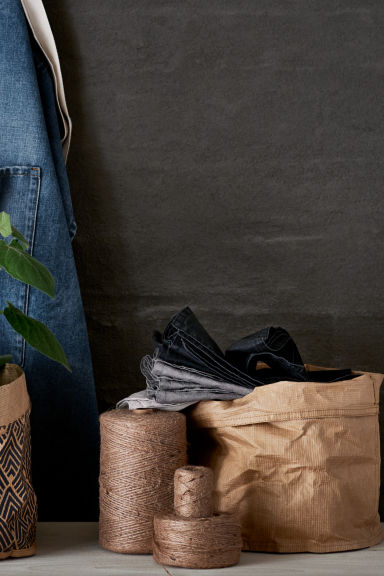 Jump on the paper bag storage basket trend!