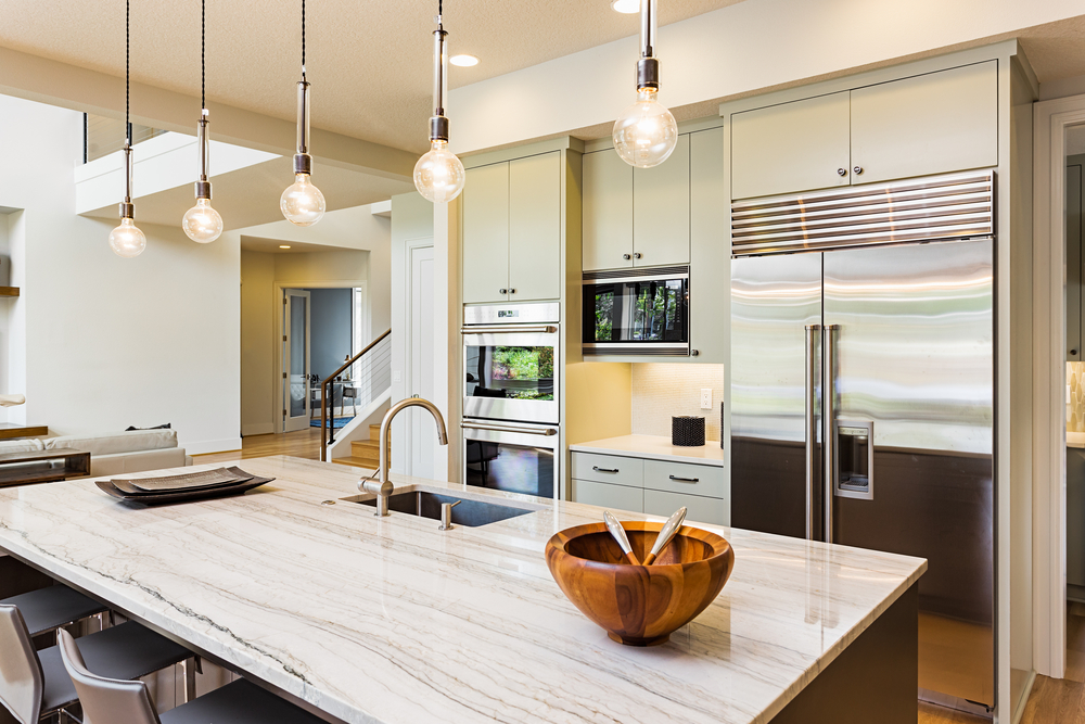 Lovely ideas for using pendant style lighting over a kitchen island