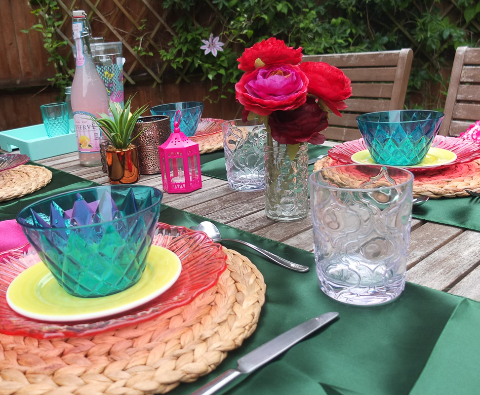 How to create a laidback summer garden style with a bohemian brights theme.