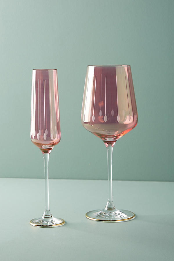 Super glam wine glasses and flute glasses with a delicate raspberry pink shine