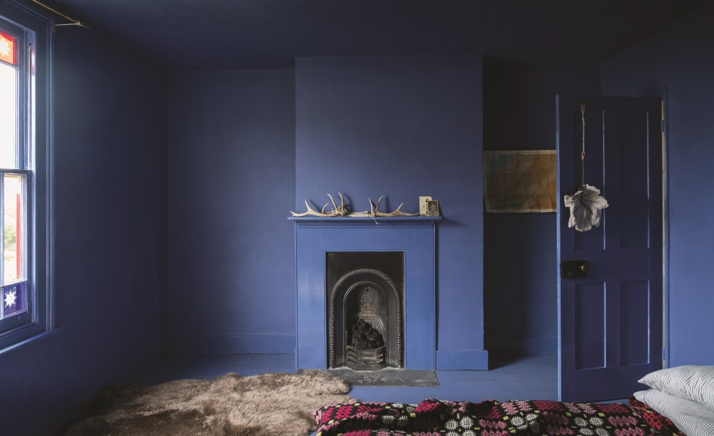 For a contemporary decor look, try painting your walls and skirting boards in the same colour