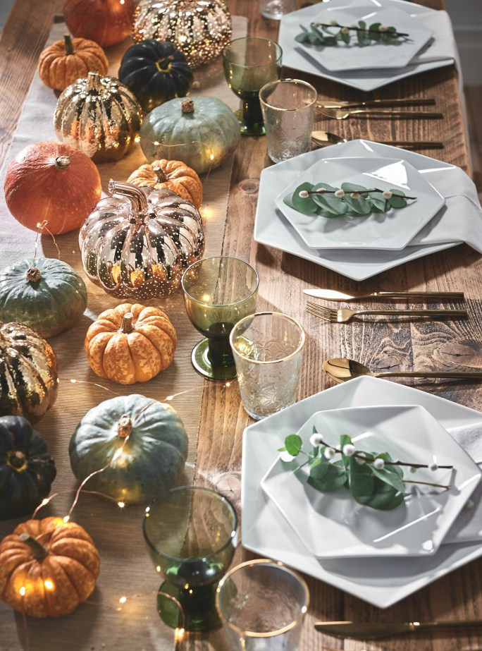 These cute pumpkin lights are perfect for an autumn themed tablescape