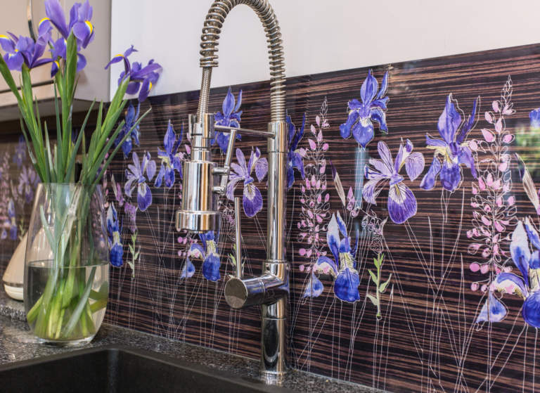 Stunning floral splashback by glass designer Emma Britton