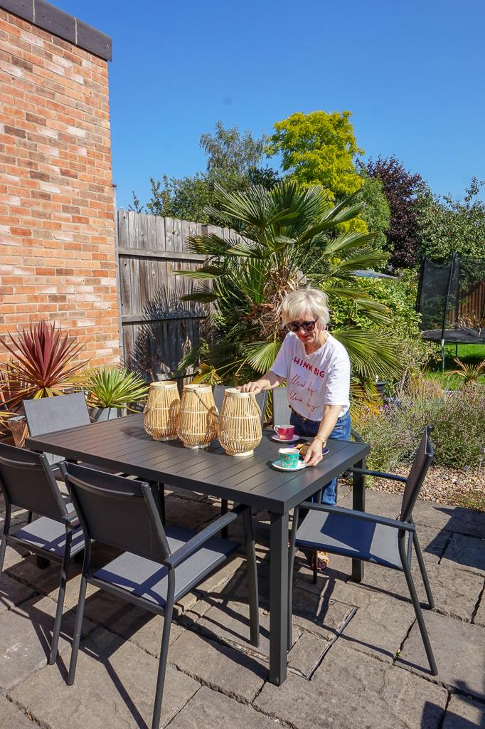 How to create a modern contemporary family garden