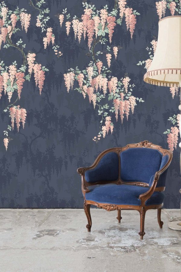Spring style decor: Floral wisteria wallpaper