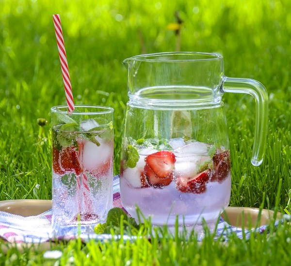 Serve in style: top 10 bright and summery picnic accessories