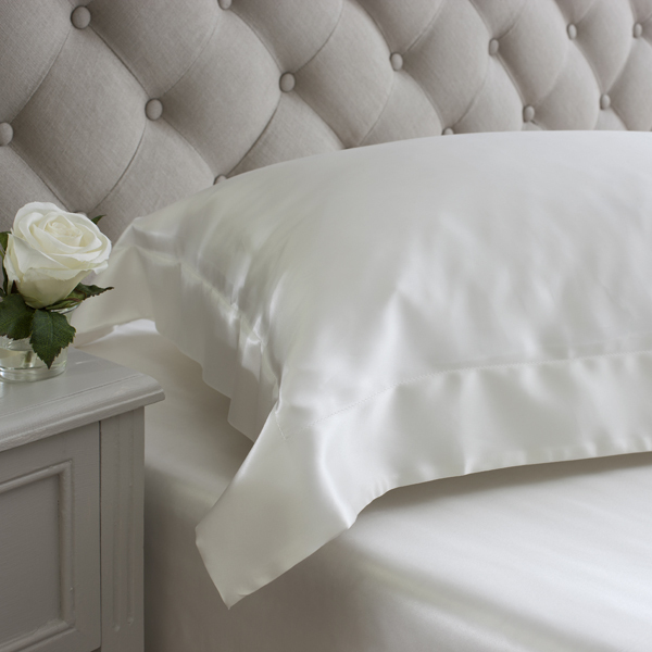 Ivory oxford design silk pillowcases from Jasmine Silk