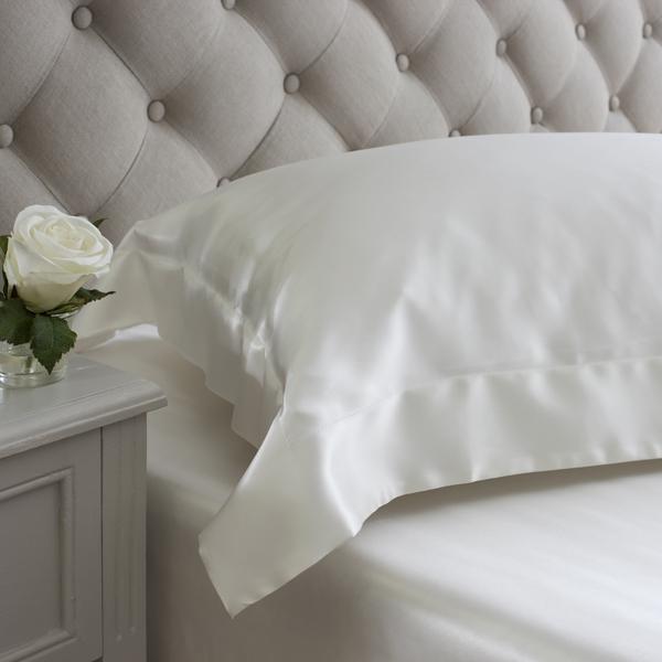 Ivory oxford design silk pillowcases from Jasmine Silk