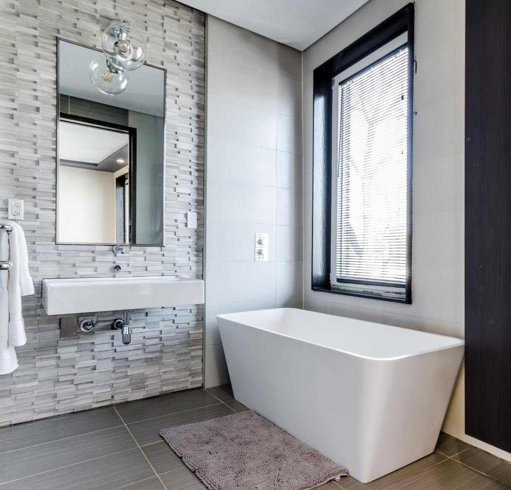 How to create a stunning and functional modern bathroom