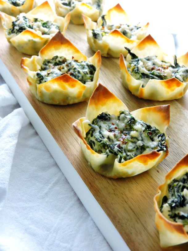 Cheesy Spinach Dip Wonton Cups