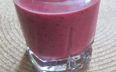 Mango-Berry Smoothies
