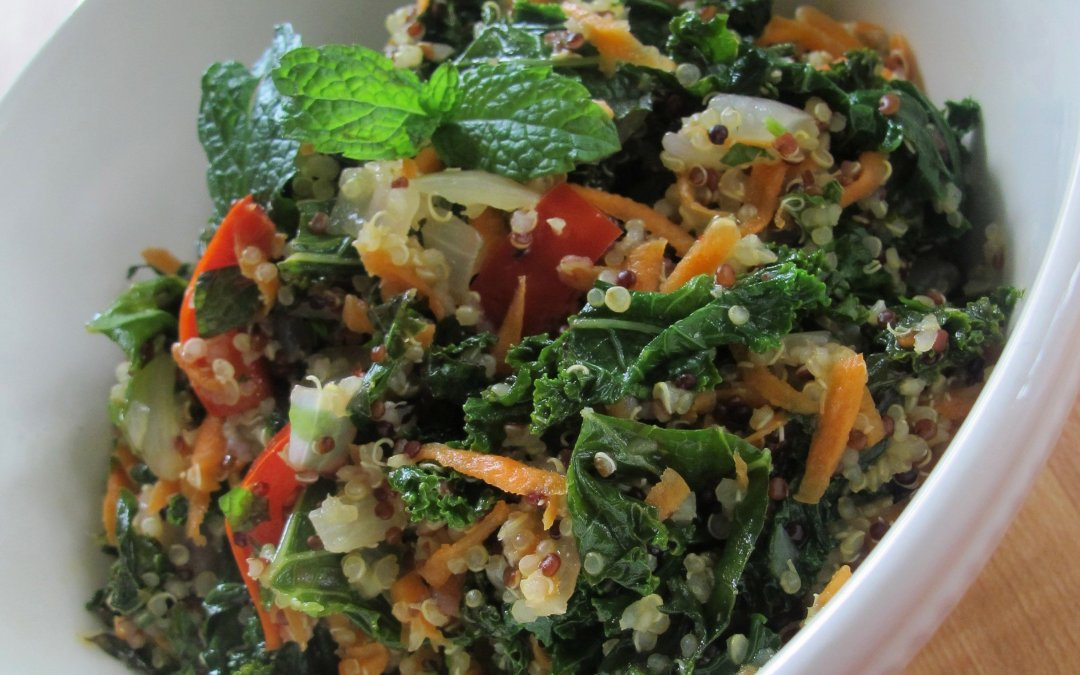 Super foods kale and quinoa join forces in this Kale-Quinoa Salad to give you a powerful boost of antioxidants, with a ton of flavor to boot!