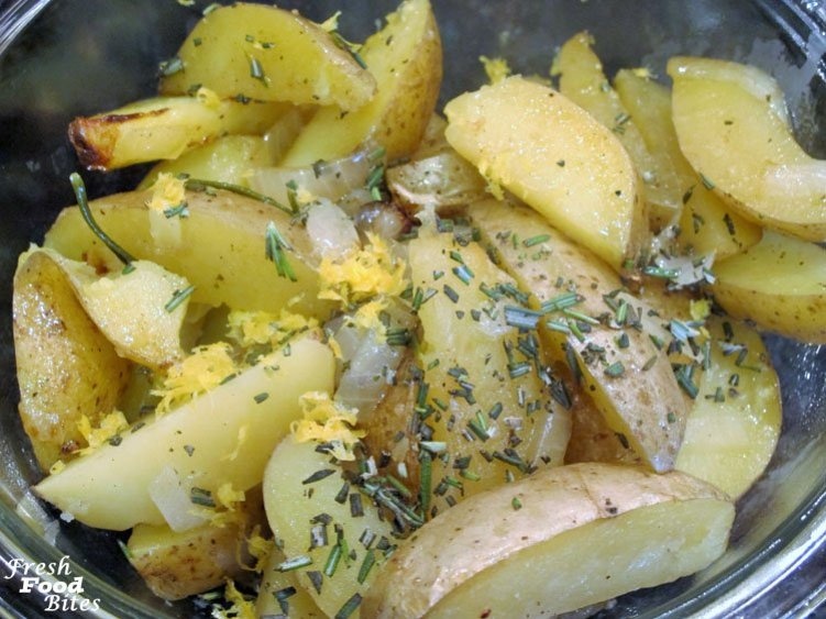 This easy, no-fuss, no-mess Grilled Rosemary Potato Packet will go with any meat you want to throw on the grill for dinner. Flavor the potatoes with fresh rosemary, or any other herb you love, and finish them off with a sprinkle of lemon peel for burst of fresh summer flavor. Using a foil packet as the