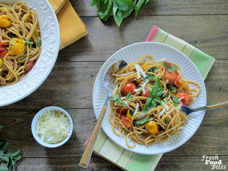 Fresh Tomato-Basil Pasta Sauce