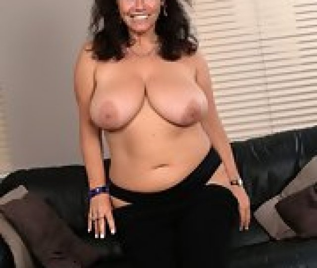 Chubby Brunette Mom With Hairy Twat Stripping On The Sofa