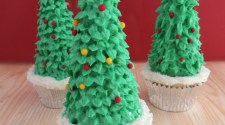 Easy Christmas Tree Cupcakes