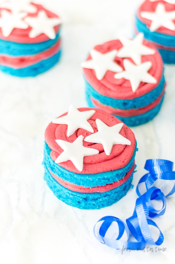 How to Make Red White and Blue Desserts Mini Cakes