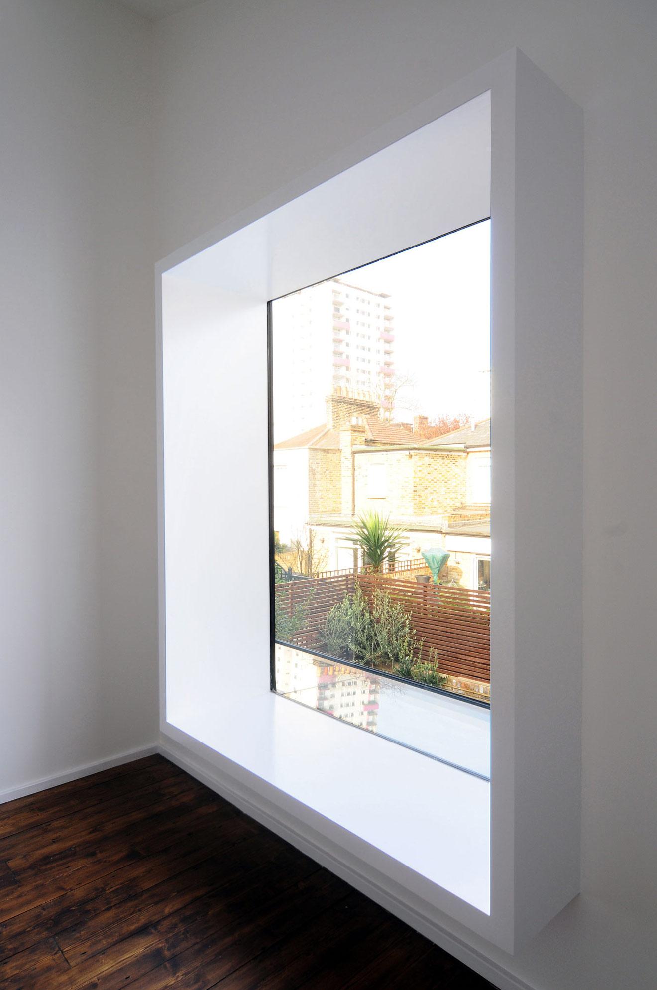Large Window Modern Home In London By Bureau De Change