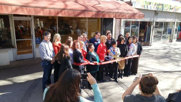 Mayor Swearengin and Liz Sanchez cut the ribbon to officially open the Casa de Tamales Fulton Mall location on February 1st