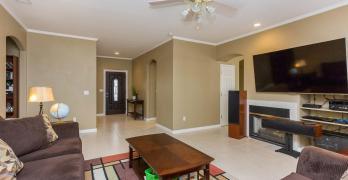 Newly Floored Spacious Lemoore Home