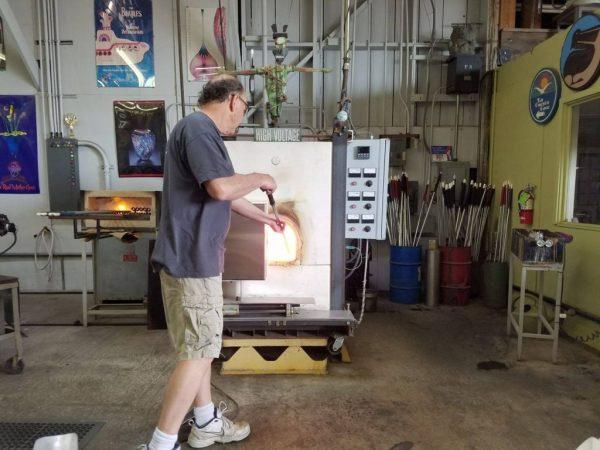 Handle Molten Hot Glass
