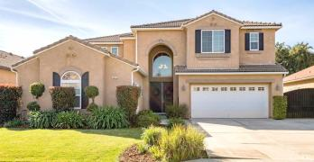 Amazing Fresno Home in Clovis Unified