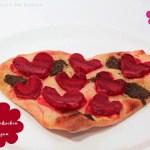 Flammkuchen mit Roten Rüben & Zwiebel – Essen in Herzform