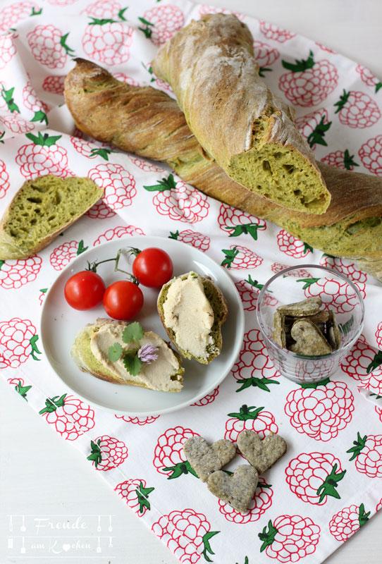 Grünes verdrehtes Baguette - Pain Paillasse mit Spinat - vegan - Freude am Kochen