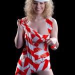 Nackte Frau mit Bänder umhüllt beim Erotik Fotohooting Nürnberg