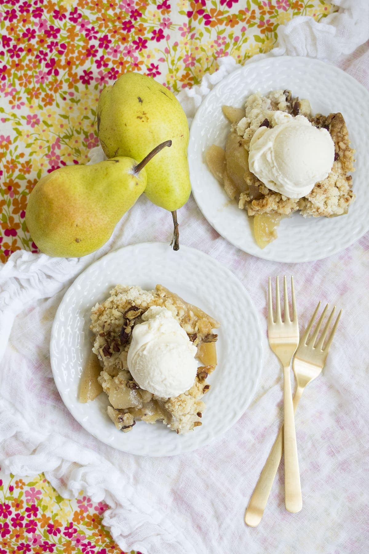 Apple Pear Dump Cake